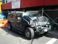 This image has an empty alt attribute; its file name is Hummer-accident.jpg